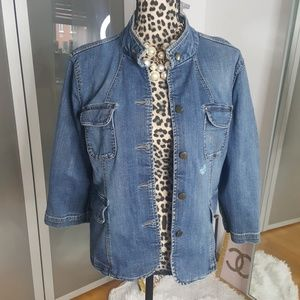 Jean jacket with 3/4 sleeves